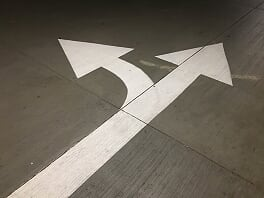 Parking garage directional arrow in Hialeah, Florida